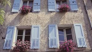 Inspirace záhrada a domky - chcela by som mat taketo okenice alebo dvojite mne sa to strašne lubi