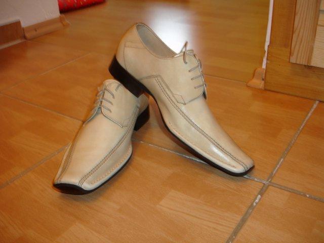 Maťko a Ivka:) 12.09.2009 - topánočky pre ženícha