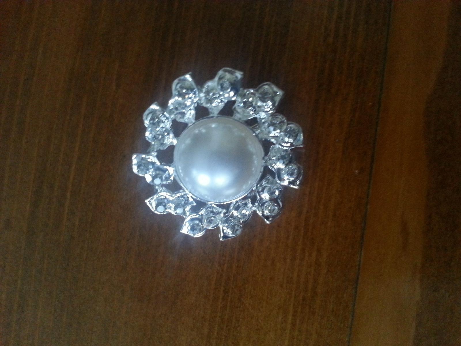 Štrasová brošňa s perlou - sada 12 kusov - Obrázok č. 2