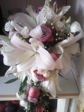 moje svatební kytice..ty lilie krásně provoněli celou místnost