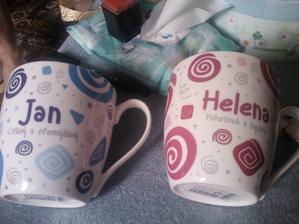 a další dárek.. moc krásné..bude se z nich krásně pít :)