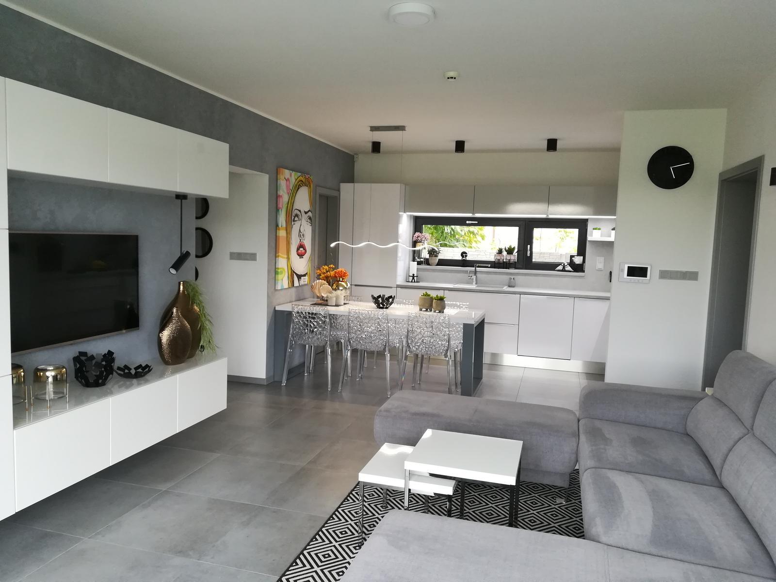 2xkonferencni stolek+koberec - Obrázek č. 3