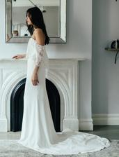 Louvienne by Lovely Bride