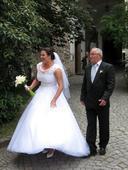 Rucne vysivane svatebni saty MADORA, 46