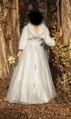 Tylové svadobné šaty s čipkou a kamienkami , 38