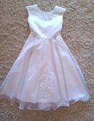 Biele šaty s čipkou pre družičku, 140