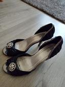 Černé společenské boty na mírném podpadku, 37