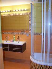 koupelna 2 (je vidět i sprcháč)