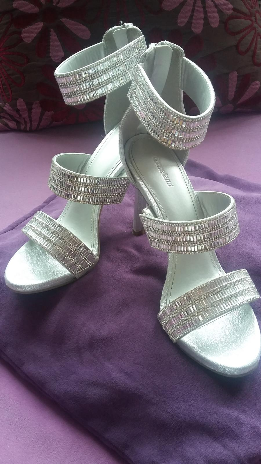 Strieborne sandalky - Obrázok č. 1