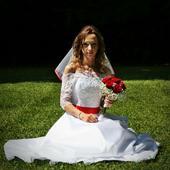 Svatební šaty ručně šité, 36