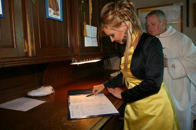Lucia Tothova{{_AND_}}Peter Balaz - svedkyna hela