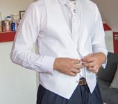 Biela vesta pre ženícha, 48
