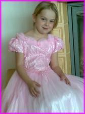 Další z osmi :-) moje dceruška Kajka (omluvte foto alá mobil)