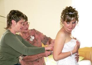 příprava nevěsty, byla to fuška, trochu mi povyrostlo bříško...:o)