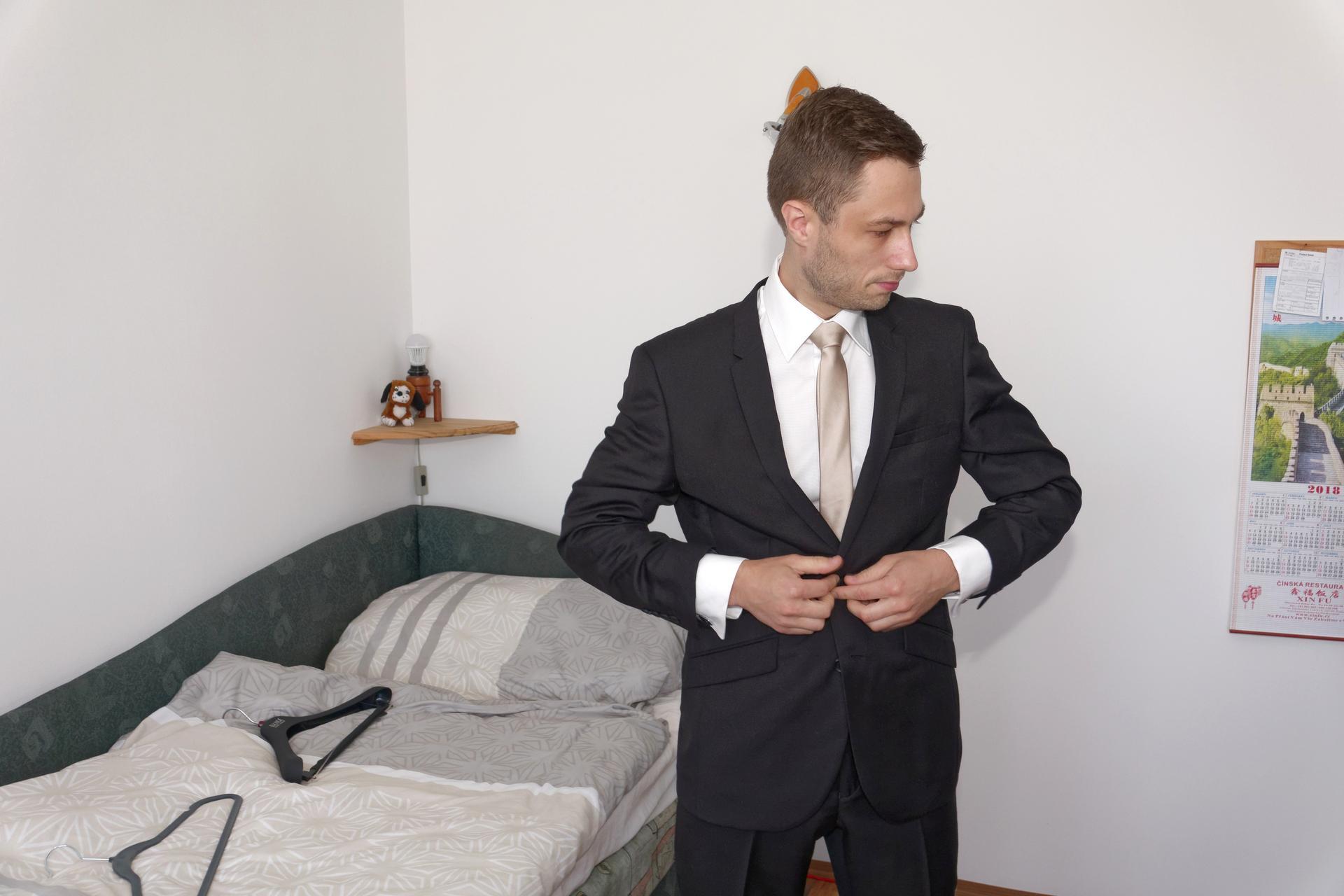 Veru   {{_AND_}} Pepa - Fotky z příprav manžela jsme si vyžádala u tchána :D