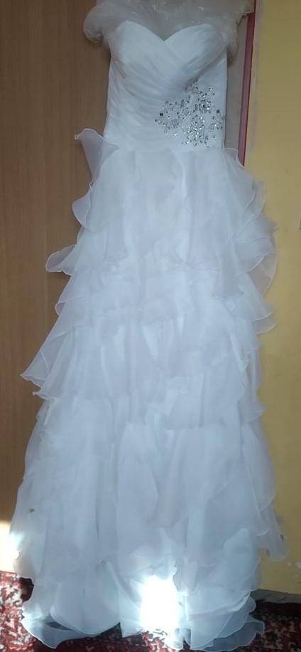 Biele princeznovské svadobné šaty - Obrázok č. 4