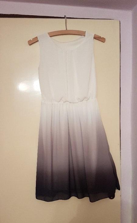 Bílošedé lehké šaty - Obrázek č. 1