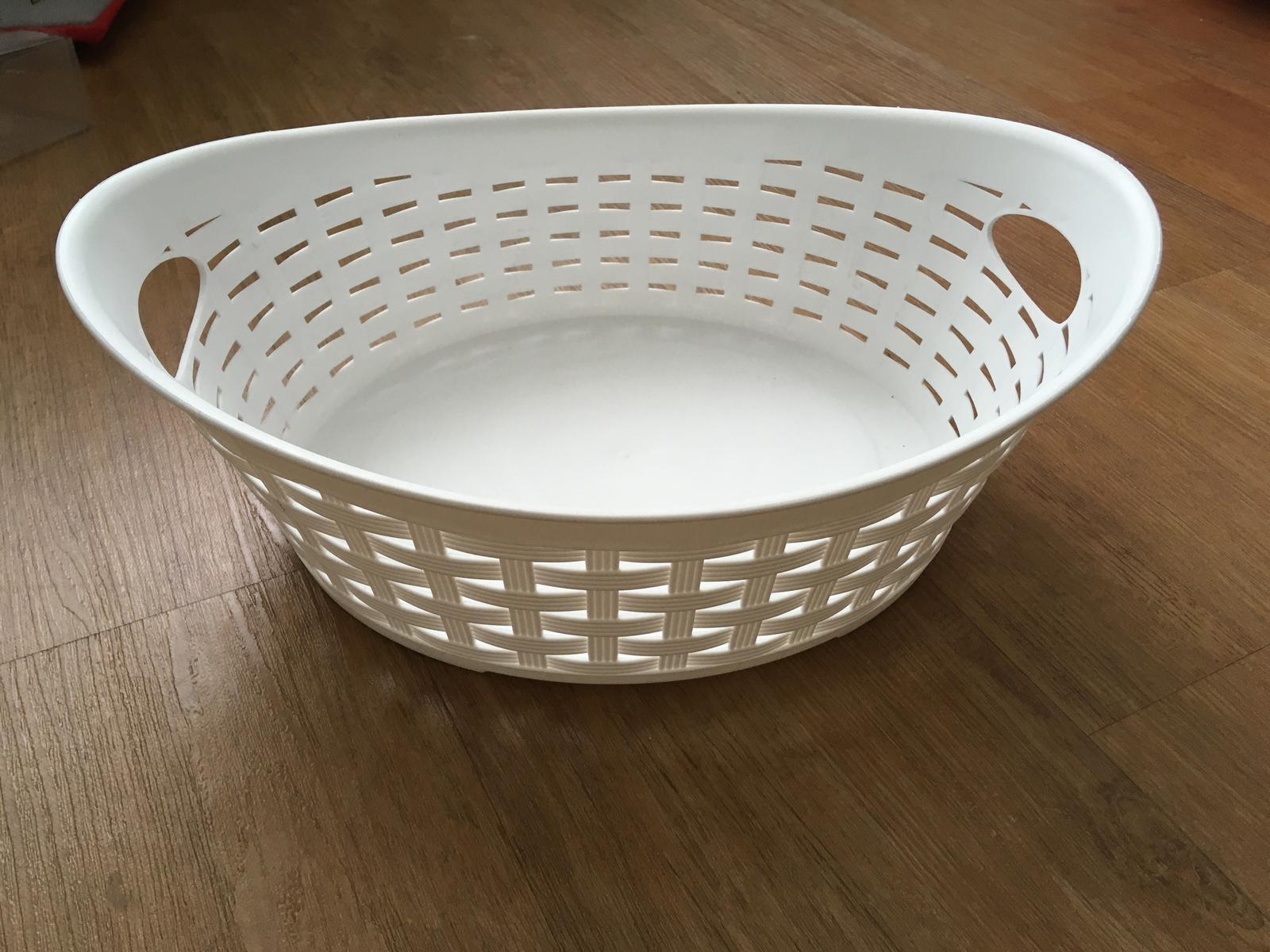 Plastový košík mísa na koláčky - Obrázek č. 1