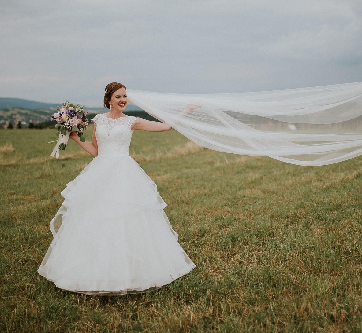 Svatební šaty značky Divina Bridal - Obrázek č. 1