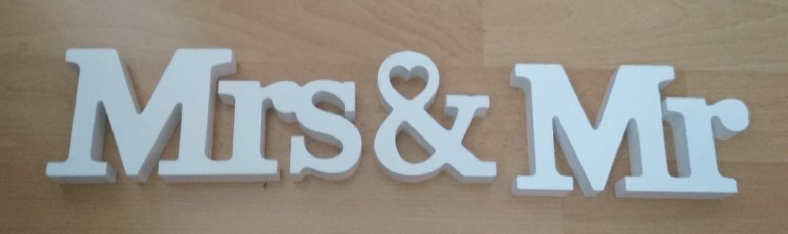 3D Dekorácia vhodná na stôl - Nápis MR & MRS. - Obrázok č. 1