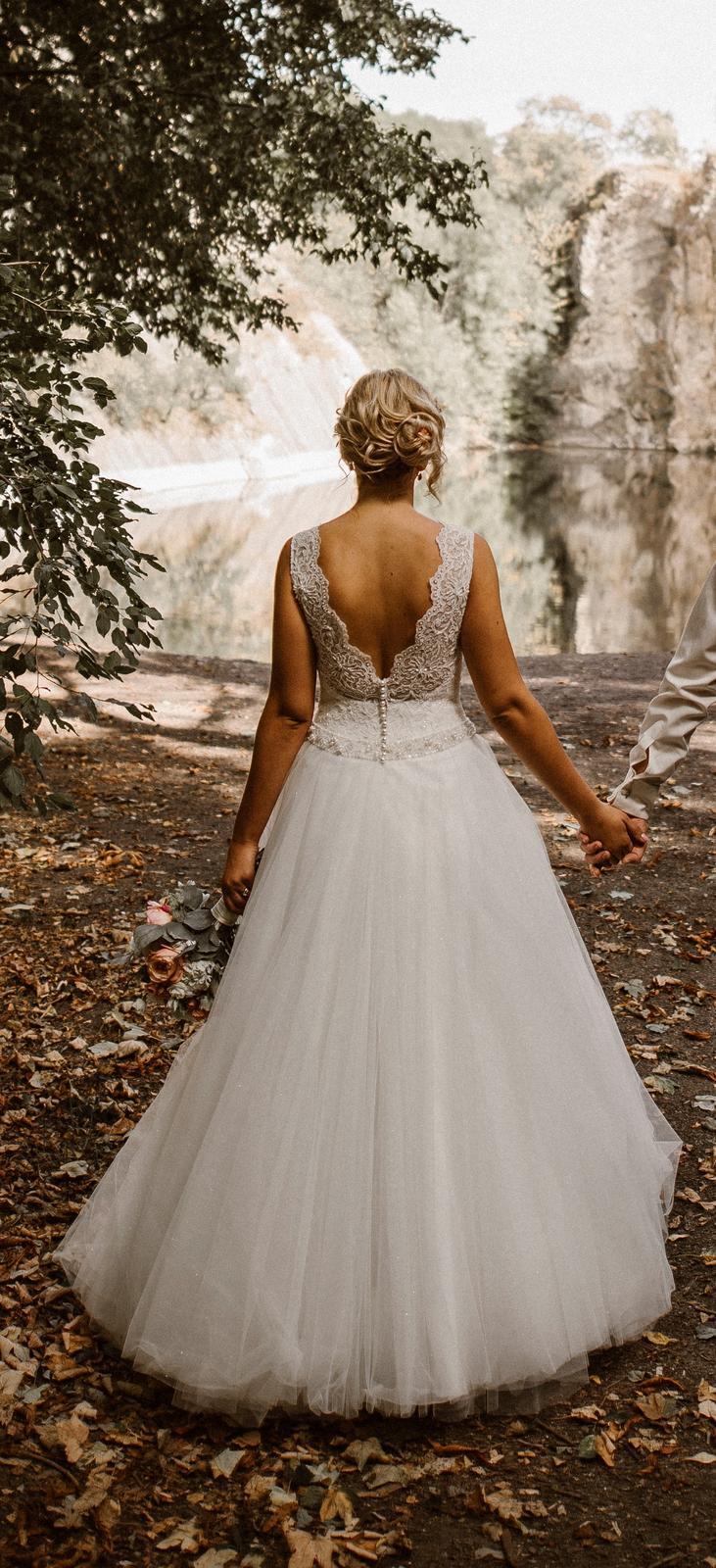 Ivory svatební šaty šité na míru, vel.38 - Obrázek č. 1