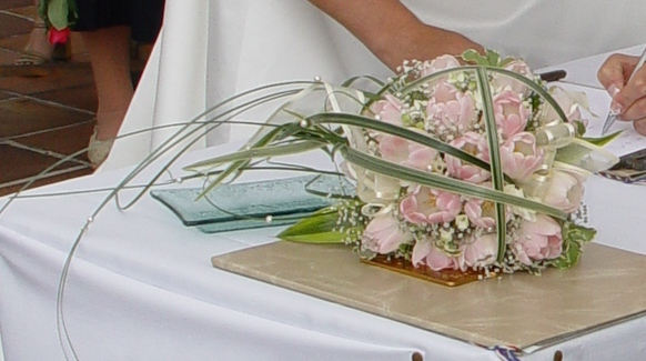 Detail svatební kytičky- tulipánů..