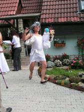 zatím jen amatérské fotky- falešná nevěsta :0)