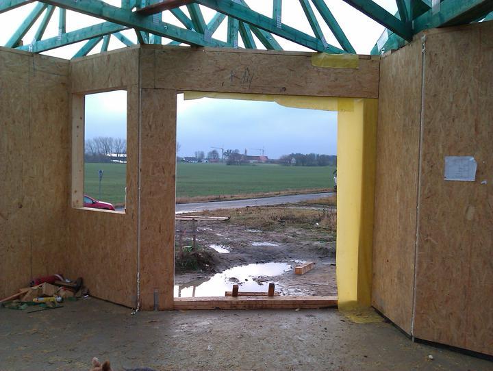 Naše dřevostavba - malá, ale milá :) - 3. a 4. den stavby - terasa