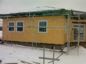 střecha hotová a už máme i okna :)