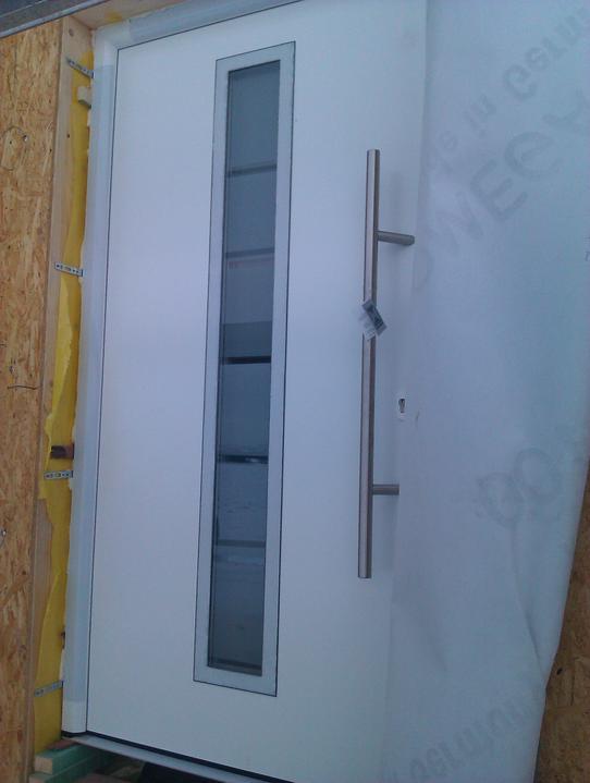 Naše dřevostavba - malá, ale milá :) - detail dveří podruhé :)