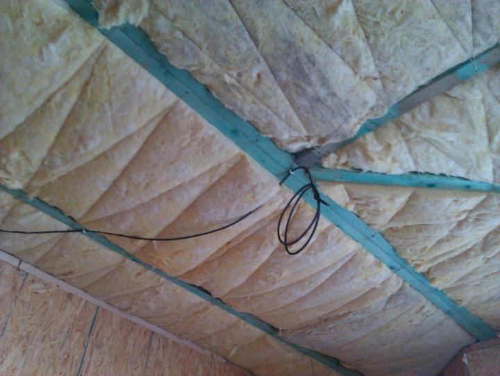 Naše dřevostavba - malá, ale milá :) - budiž světlo :)