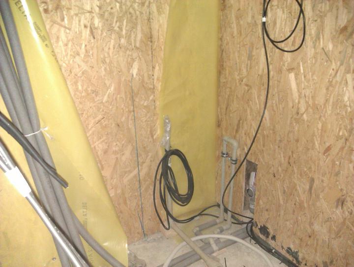 Naše dřevostavba - malá, ale milá :) - taktéž technická místnost