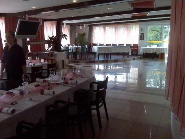 Svadobna hostina - Obrázok č. 5