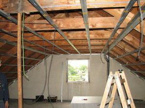 2006 - začala rekonstrukce podkroví