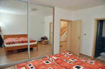 ložnice, noční stolky byly reklamovány, foto dodám až to bude ok