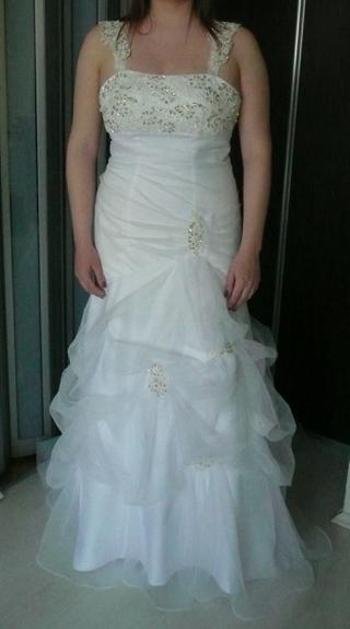 Prípravy - tak toto sú šaty už na mne prichystané na svadbu :-)