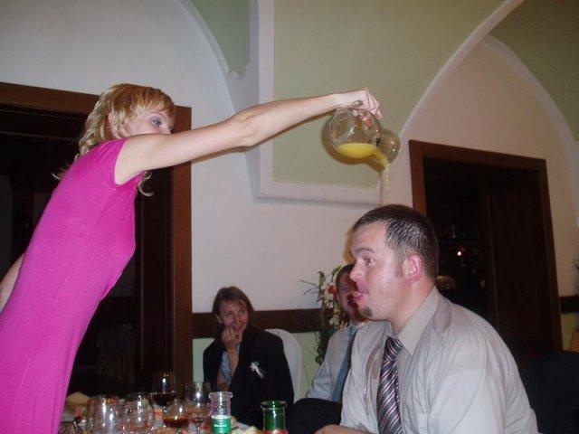 Katka{{_AND_}}Marek - krstenie džúsom.... p.s. Mirka torta ti chutila?