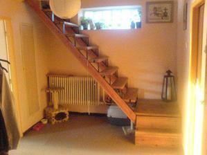 a po, schodiště  zatím bez zábradlí