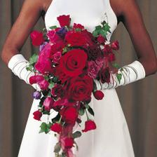 Květina bude určo vínová, jakož celá naše svatba :-)