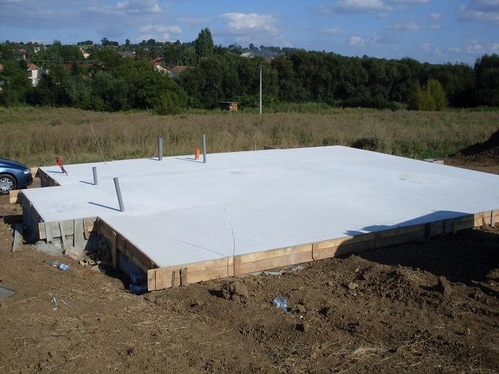 Stavba a interier - august 09 - zaklady