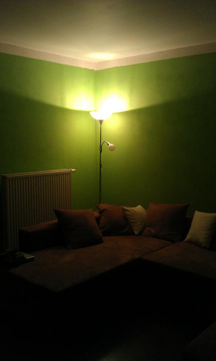 Bydlíme :) - a můžu si číst na gauči :)