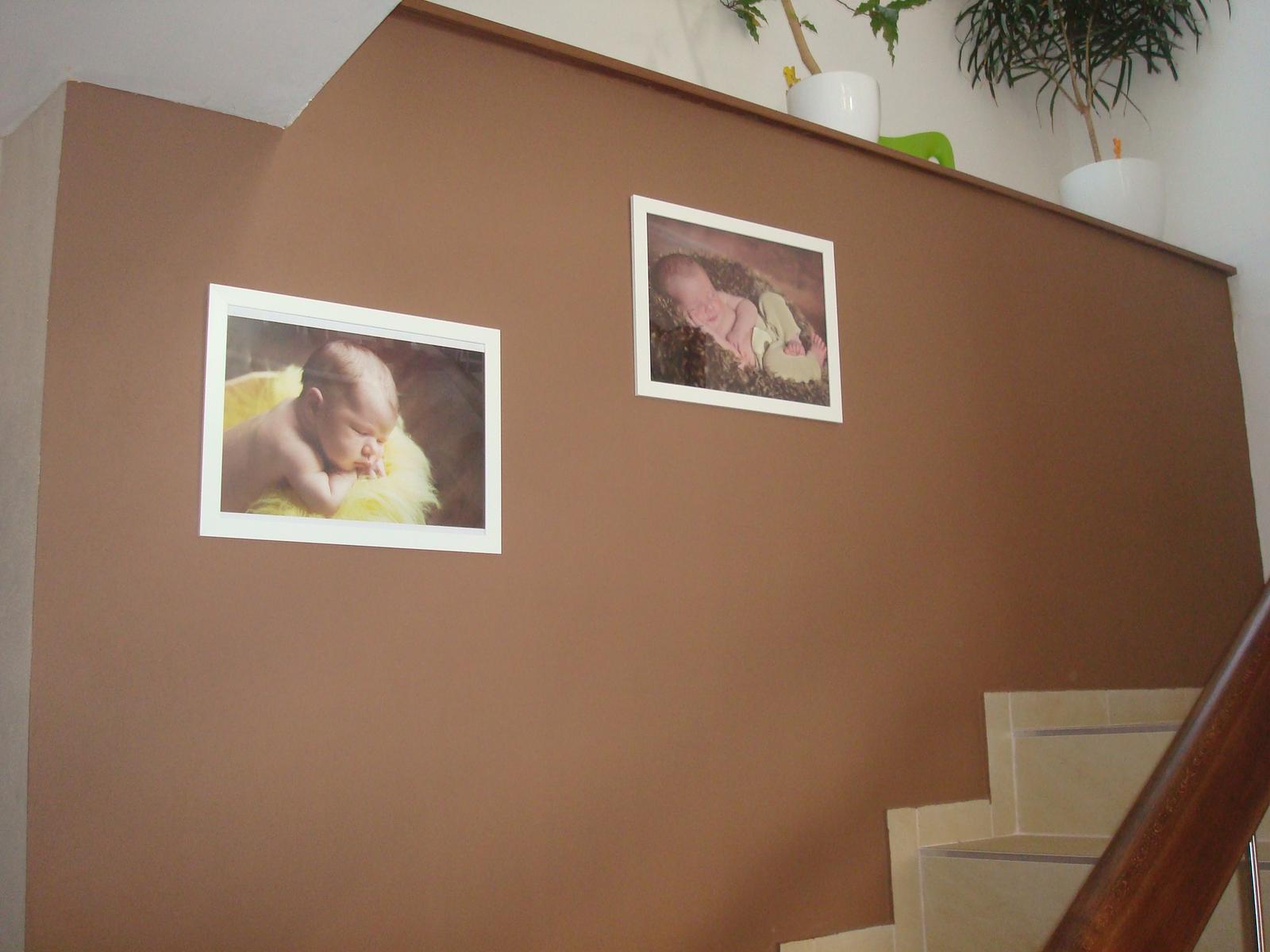 Bydlíme :) - na schodišti