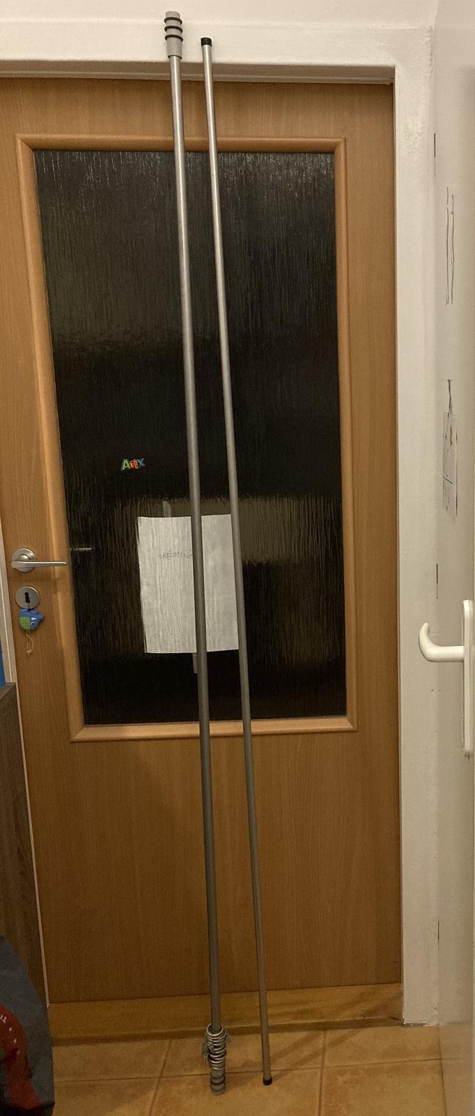 Tyč na záclonu Ikea 200 cm s úchytmi na stenu - Obrázok č. 1