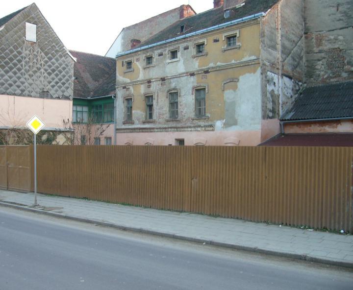 Startujeme.... - krutá realita, ještě se starým plotem......