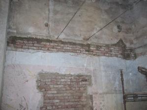vyžděné kapsy ze starých stropů