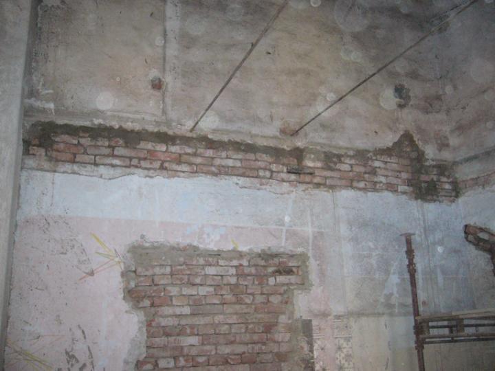 Startujeme.... - vyžděné kapsy ze starých stropů