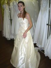 To jsem já ve vybraných šatech :o))