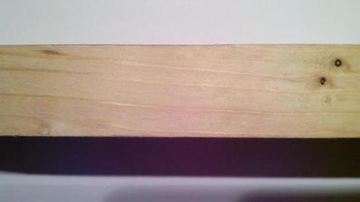 Pôvodná kresba povrchu smrekového hobľovaného hranola.