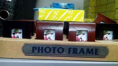 Skutoční drevené fotorámiky rozmer cca 6x3cm za 0,50€