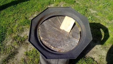 Po odstránení hrubej hrdze začínam natierať z vnútornej strany.